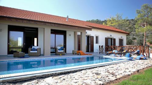 Luxury in Nature Villa