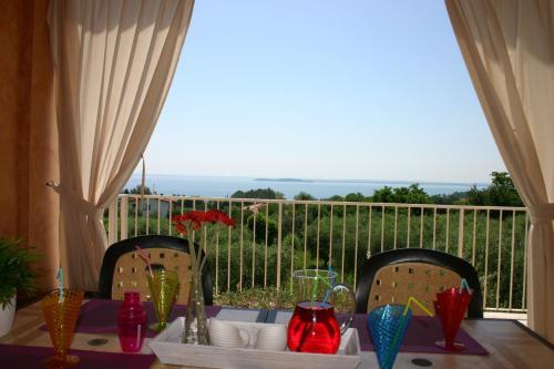 foto Residence Il Fiore Del Garda (Soiano del Lago)
