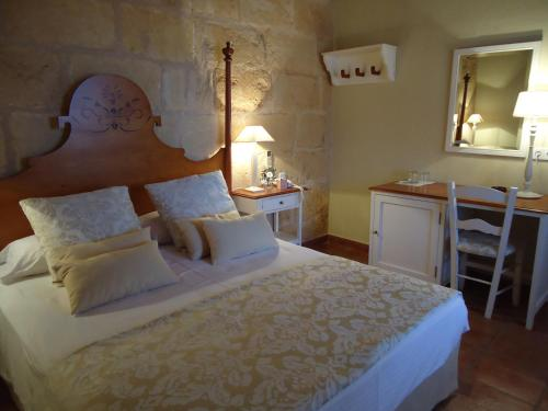 Double or Twin Room Hotel Rural Morvedra Nou 6