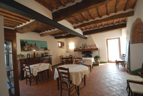 Soggiorno Taverna in Italy
