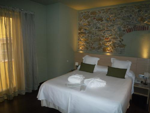 Double or Twin Room with Spa Access Hotel Spa Vilamont 12