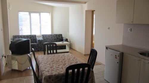 Apartments Bizone