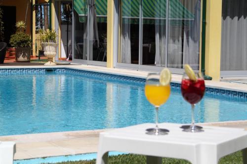 Guesthouse Pool & Sea Espinho Oporto front view