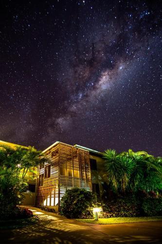 Picture of Sandcastles 1770 Motel & Resort