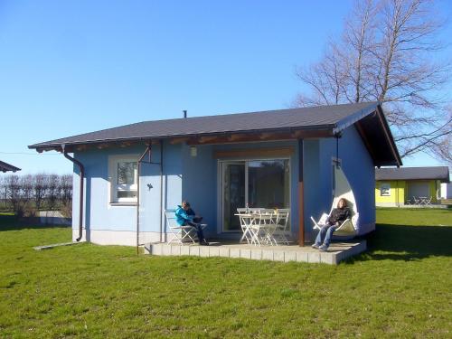 Camping- und Ferienhauspark 1 front view