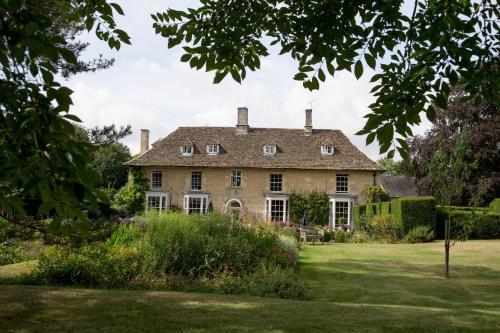 Kempsford Manor