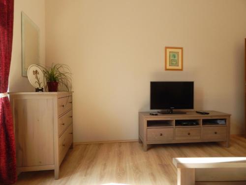 Muna Apartments - Iris