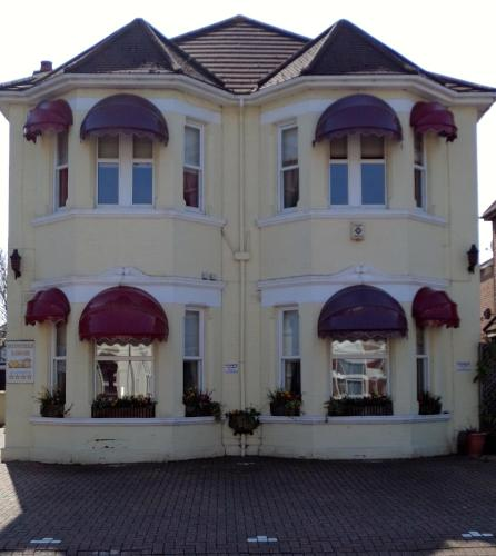 Hunters Lodge Guest House hotel in Southampton