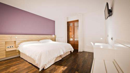 Standard Twin Room - single occupancy Hotel Las Casas de Pandreula 10