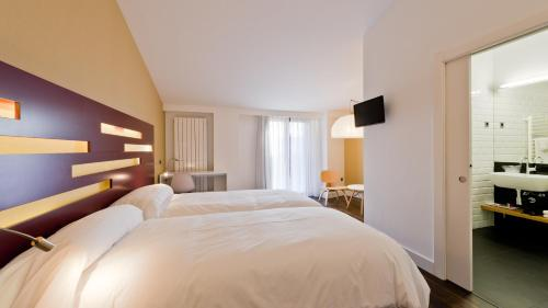 Deluxe Double or Twin Room - single occupancy Hotel Las Casas de Pandreula 5