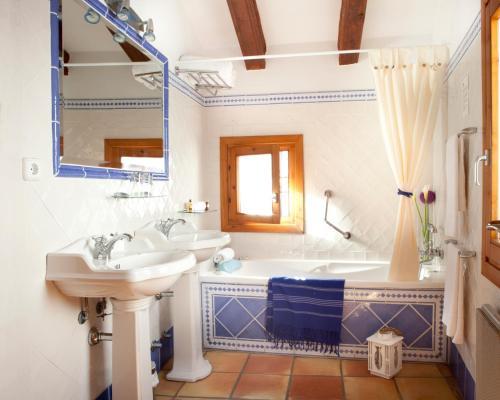 Superior Double Room Hotel Abaco Altea 4