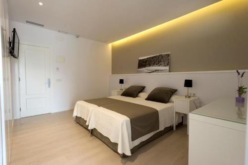 Double or Twin Room Hostal La Palma 2