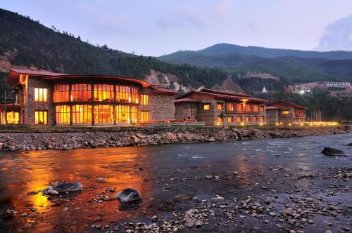 Find cheap Hotels in Bhutan