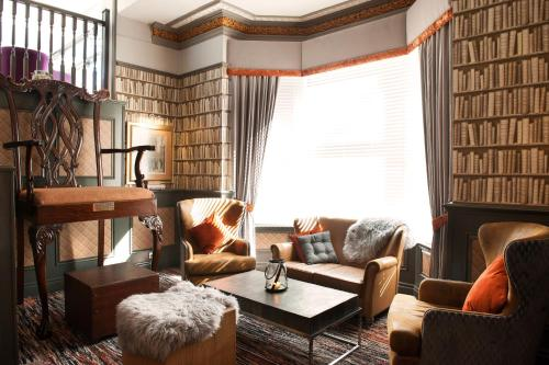 Willowbank Hotel Manchester Contact