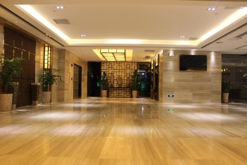 Guangzhou Wellgold Hotel front view