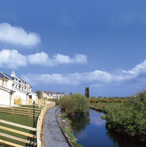 Отель Radharc na hAbhann Holiday Homes 0 звёзд Ирландия