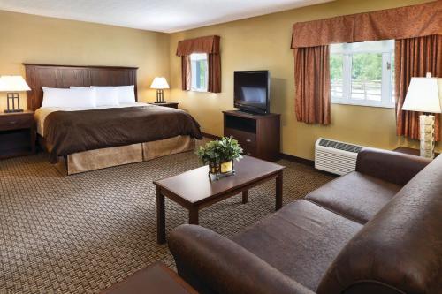 Hotels near Ohio University