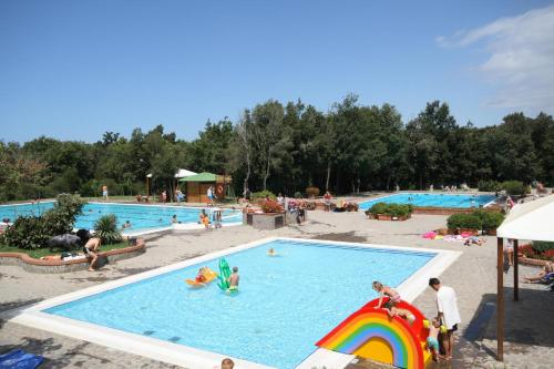 Camping Village Montescudaio front view