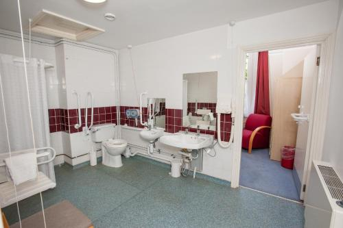 Twin Room - Disability Access (2 adjoining single rooms)