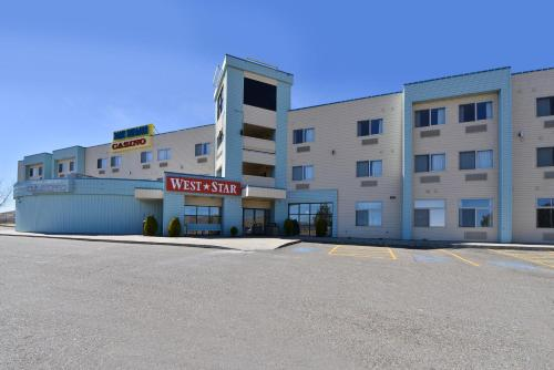 West Star Hotel And