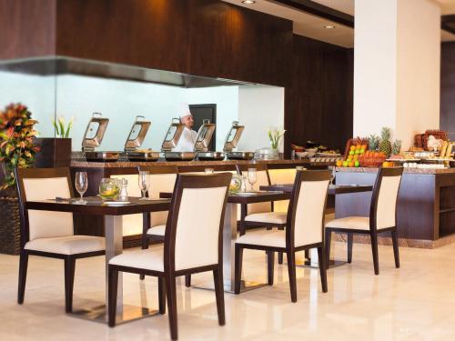 Mövenpick Hotel Apartments Al Mamzar Dubai photo 3