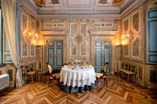 Residenza Ruspoli Bonaparte Hotel Review Rome Italy Travel
