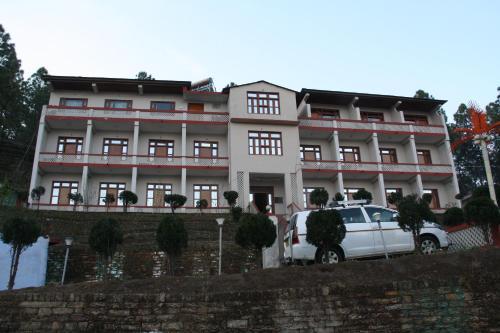 United 21- Nanda Devi Mountains