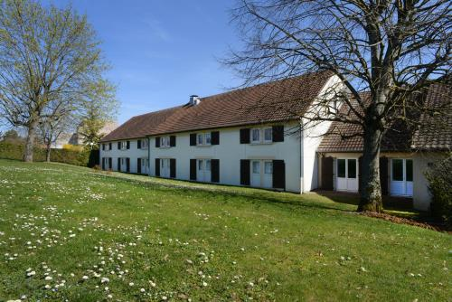 Отель Kyriad Dijon Est - Quetigny 3 звезды Франция