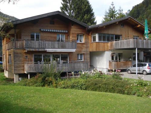 Ferienwohnung Feurstein - Standard Apartment mit 2 Schlafzimmern und Terrasse