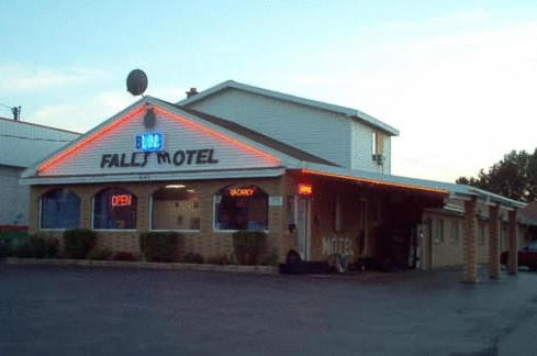 Photo of Blue Falls Motel Hotel Bed and Breakfast Accommodation in Tonawanda New York