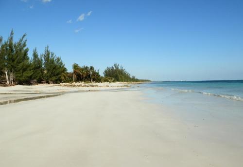 Hideaway Bahamas Beach Club Villa front view