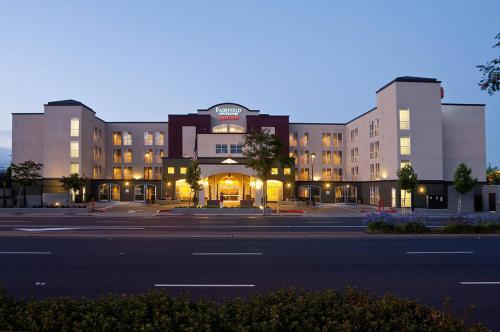 Fairfield Inn & Suites By Marriott Sfo Airport/Millbrae CA, 94030