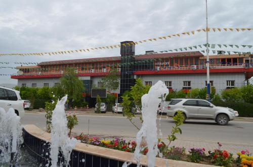 Dawa Hotel and Restaurant