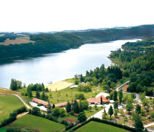 Logis Hôtel Les Vallons Du Lac