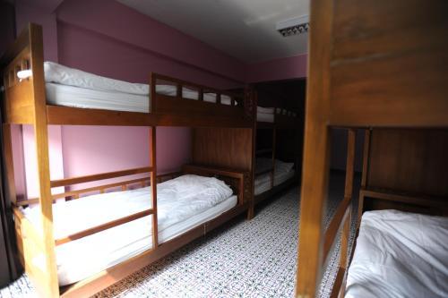 Mueang Mueang Inn guestroom junior suite
