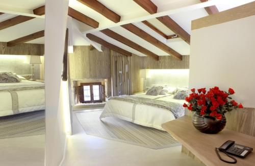 Suite Hotel Las Treixas 1