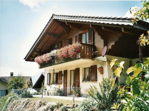 Отель Apartments Chalet Burg 0 звёзд Швейцария
