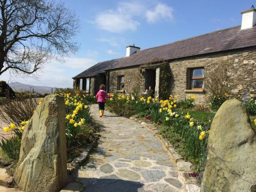 Pollan Rua Cottage & Barn