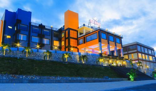 Istana Hotel & Resort