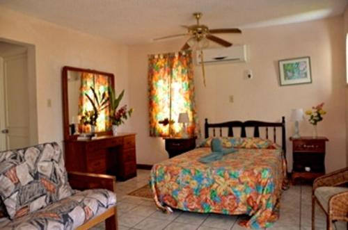 Carib Beach Apartments, Negril