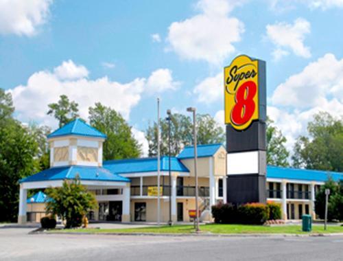 Super 8 Motel Ruther Glen Kings Dominion Area Image