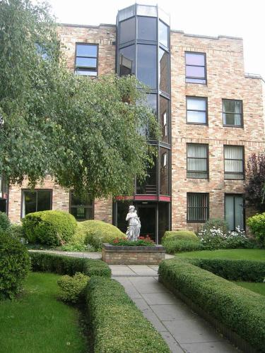 Photo of The Meadows Hotel Bed and Breakfast Accommodation in Cambridge Cambridgeshire