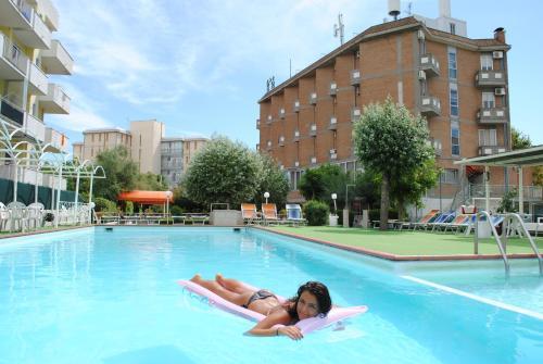 Lido adriano noclegi w ochy tanie hotele i apartamenty - Bagno marina beach lido adriano ...
