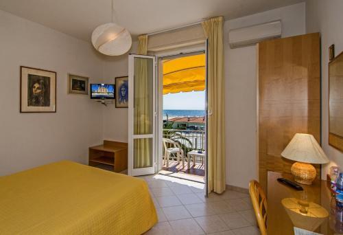 Rooms in Pietrasanta
