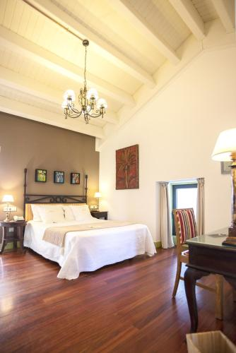 Habitación Doble Superior con terraza Hotel Quinta de San Amaro 1