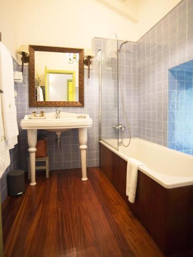 Habitación Doble Superior con terraza Hotel Quinta de San Amaro 2