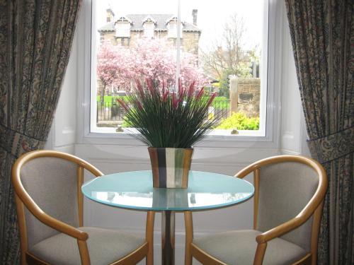 1 Kew Terrace, Edinburgh, EH12 5JE, Scotland.