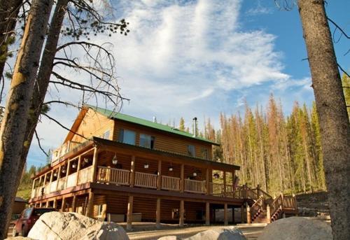 Montana Sky Lodge