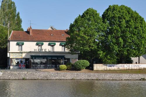 Отель Auberge Du Pont Canal 0 звёзд Франция