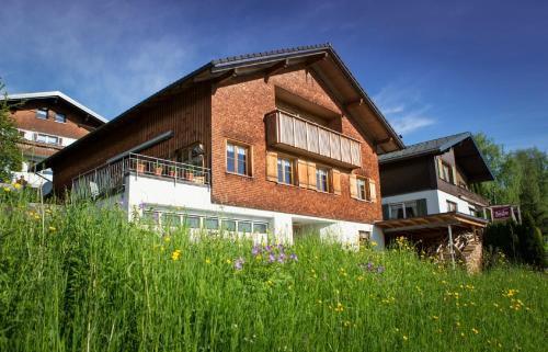 Haus Elfriede - Apartment mit 2 Schlafzimmern mit Balkon
